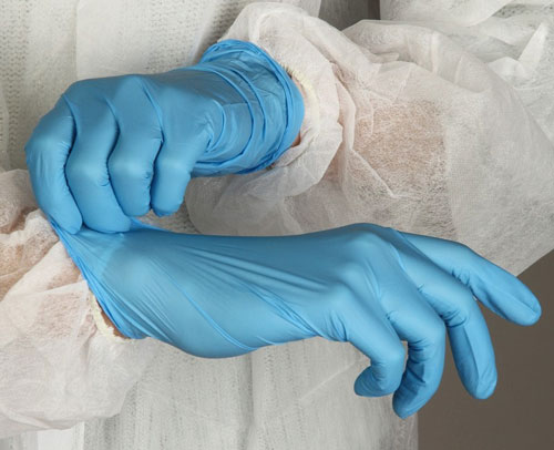 применение медицинских перчаток