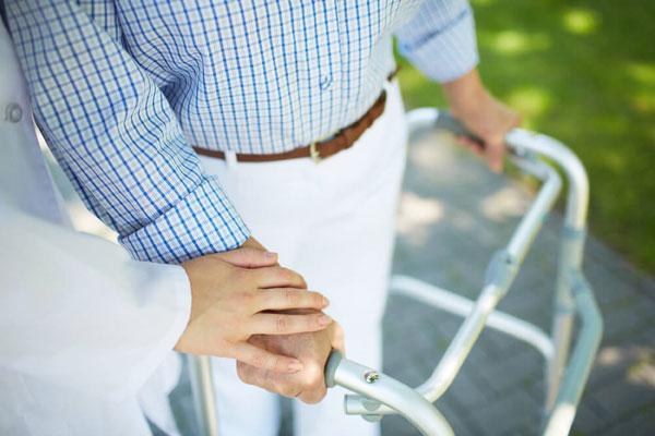 Ходунки для реабилитации пожилых и инвалидов